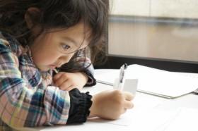 子供 お絵かきと手紙