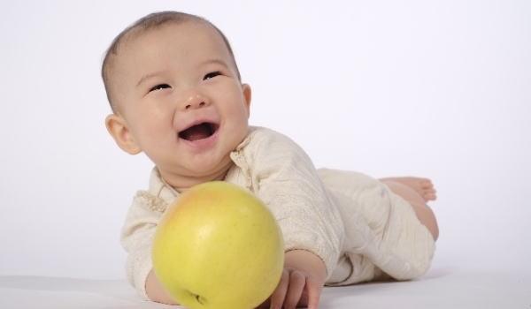 赤ちゃん りんご