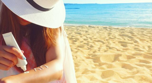 夏の日焼け対策で帽子は